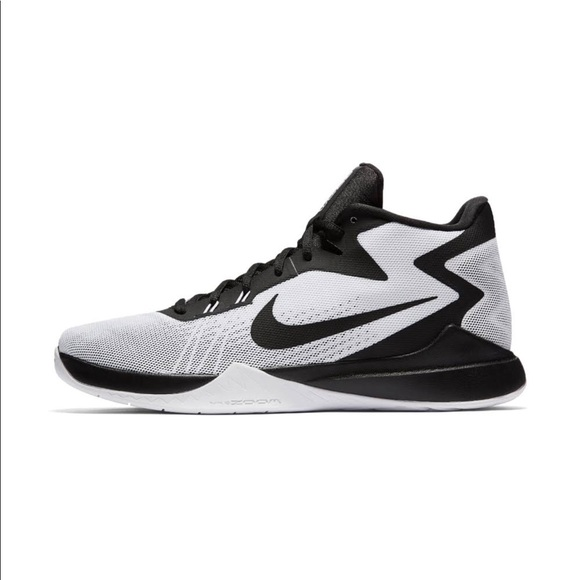 ad97c6073909 NIKE Basketball Shoe